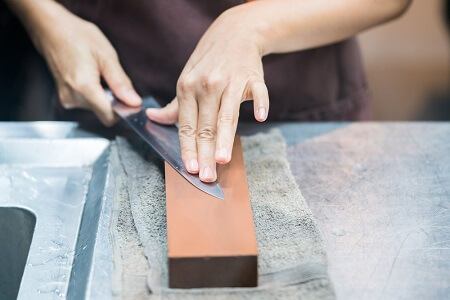 How to hone a knife using sharpening stone